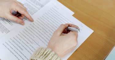 Writing An Essay Understanding the Question read